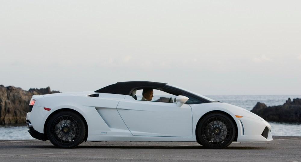 2009_Lamborghini_LP560-4_Spyder_36